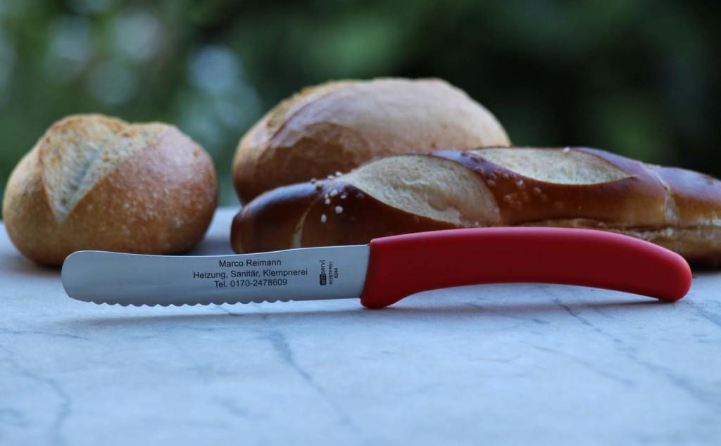 6244 WINSERV Broetchenmesser roter Griff1500